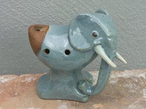 Lergök elefant