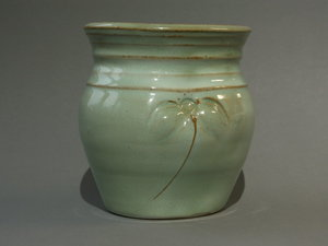 Knubbig grön vas