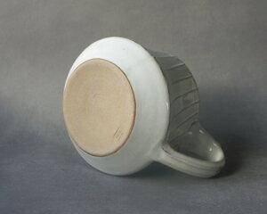 Tekanna, vit med strukturränder